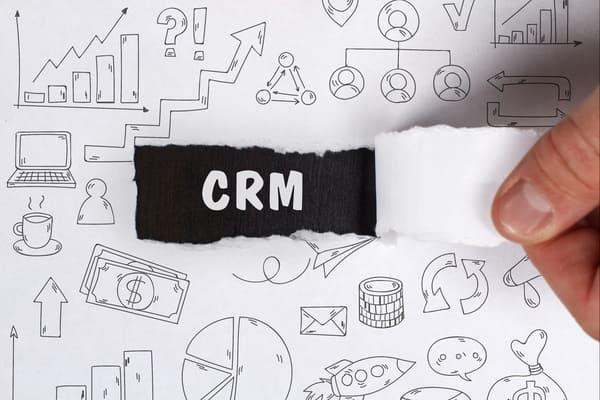 【2021年度版】<br>顧客管理システム(CRM)の選び方は?<br>人気CRM10選をまとめて比較!