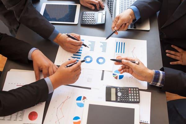 顧客分析を徹底して売上UP!?<br>分析のコツとツールの活用法について紹介!