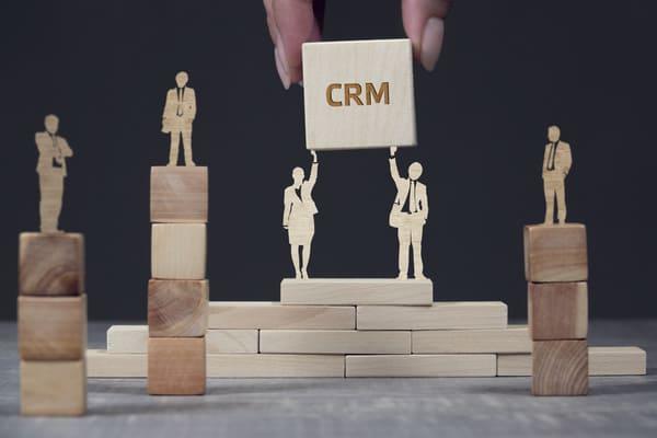 顧客分析にはCRM