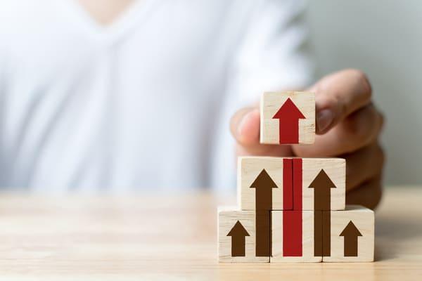 営業の生産性を向上させる必要性とは?