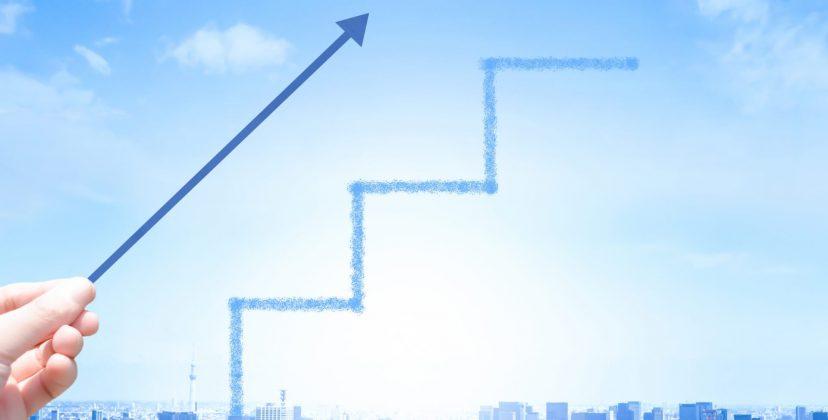 SFAとCRMの違いとは?どちらを導入すべきか、それぞれの役割を徹底解説