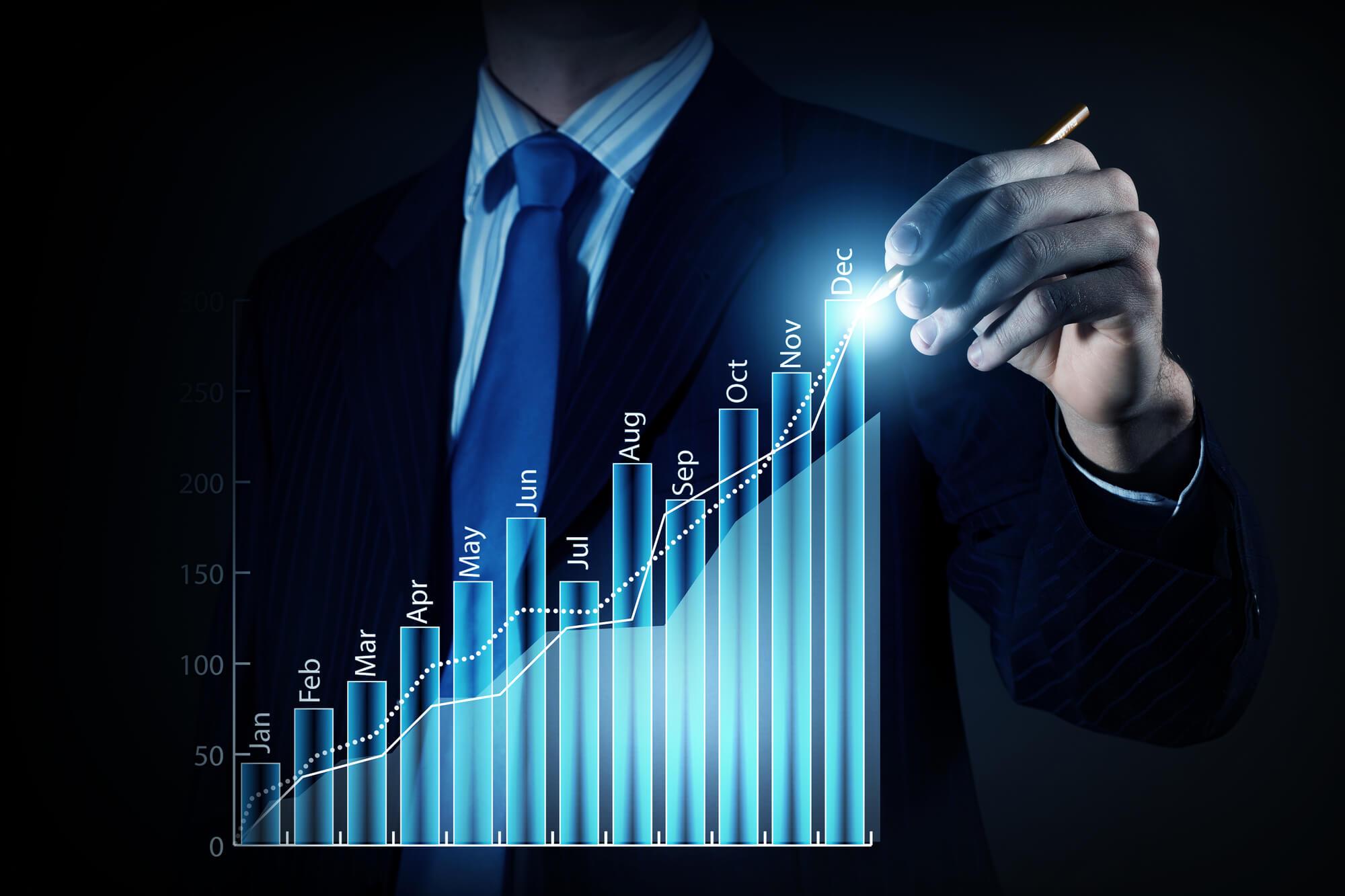 SFAの市場規模が伸び続けるのはなぜ?SFA導入のメリットや注意点を解説